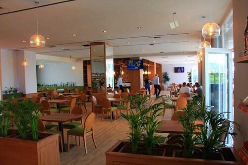 Hotel Liss 2, Lezhës