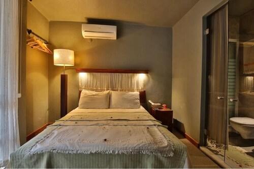 The Green Goose Hotel, Datça