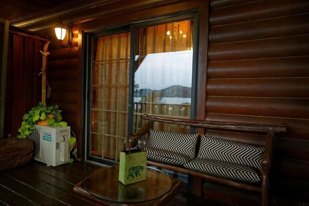 サン ムーン レイク フル ハウス リゾート (日月潭富豪群渡仮民宿)