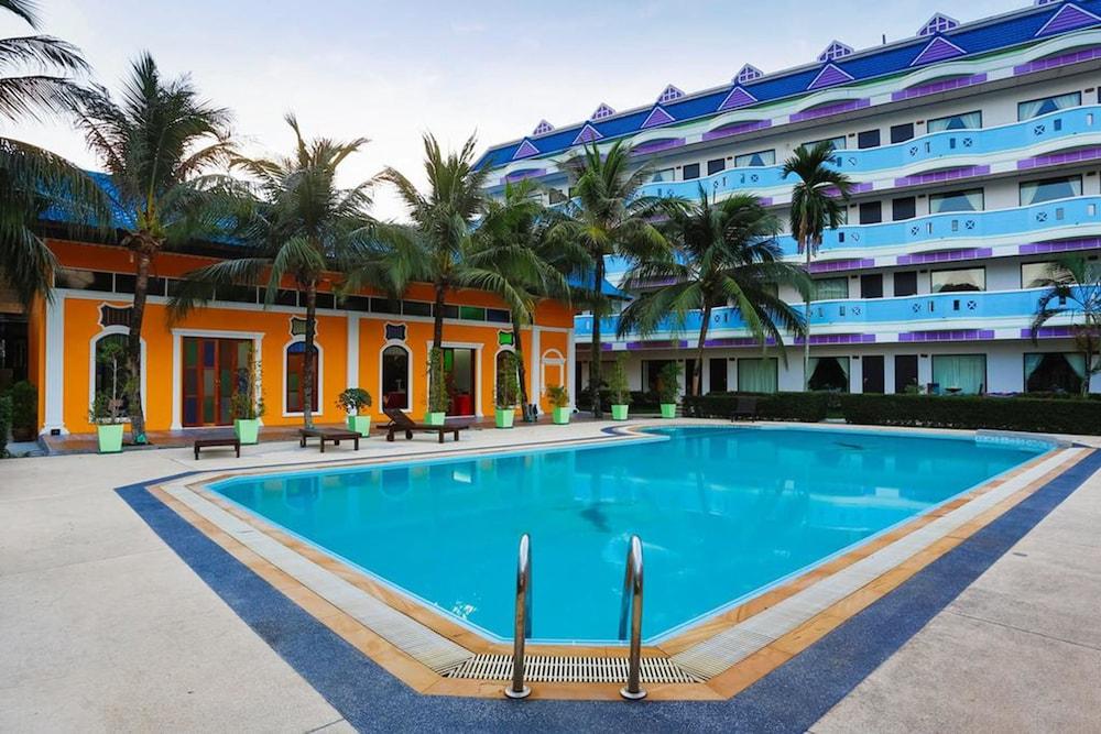 Blue Carina Inn 2