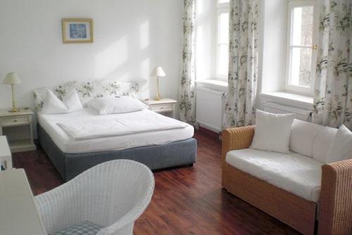 . Hotel Schloss Teutschenthal