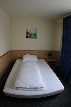 Classic Single Room, Accessible, Courtyard Area