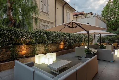 Hotel Riva, Savona