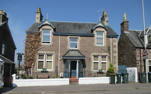 THE CARRICK BED AND BREAKFAST, Perthshire and Kinross