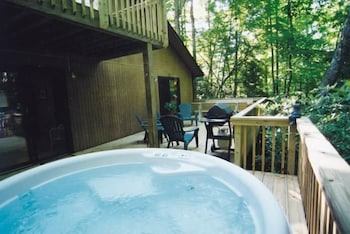 Creek 'n Woods I 3 Bedrooms 3 Bathrooms Home