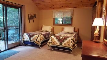 Creek 'n Woods I 3 Bedrooms 3 Bathrooms Home