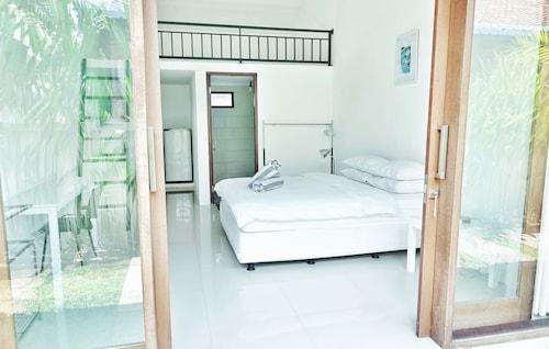 Canggu Beach Inn, Badung