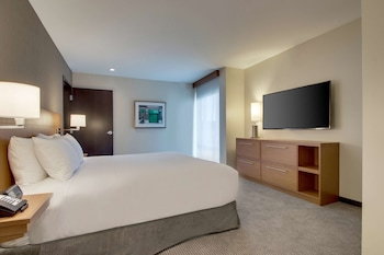 Suite, 1 Bedroom, King Bed with Sofa bed, Accessible
