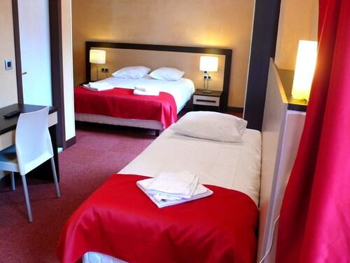 Hotel Du Louvre, Haute-Savoie