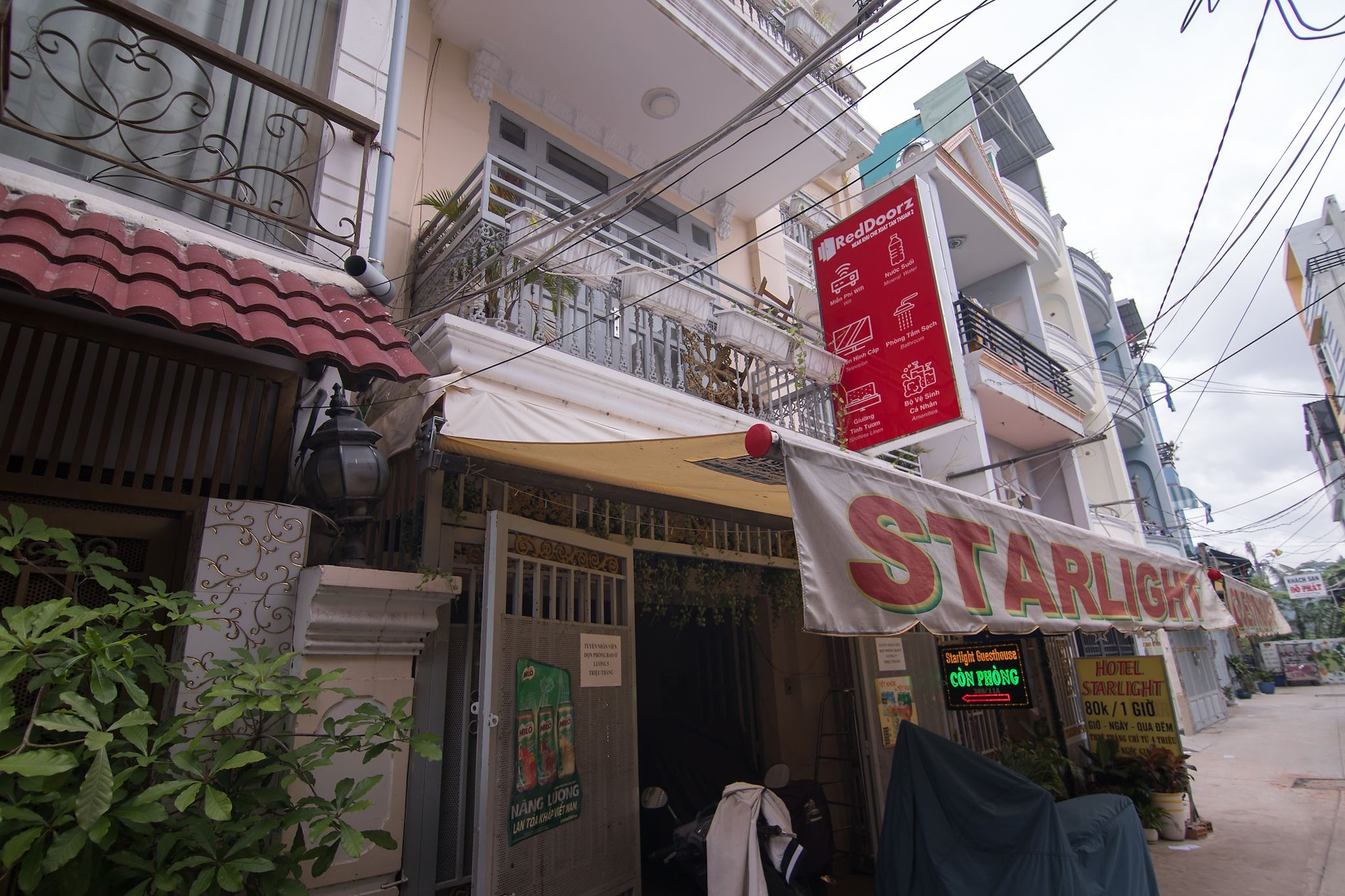 Starlight Guesthouse, Quận 7