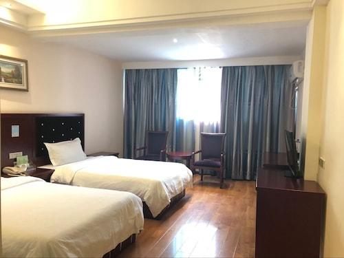 Xiandai Huayuan Hotel, Qiandongnan Miao and Dong