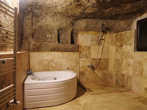 Cappadocia Antique Gelveri Cave Hotel, Güzelyurt