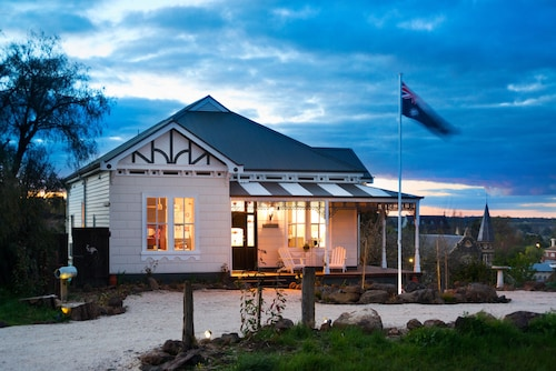 The Lodge at Clunes, Hepburn - West