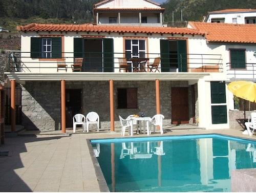 Traditional Madeira Cottage - ETC Madeira, Calheta