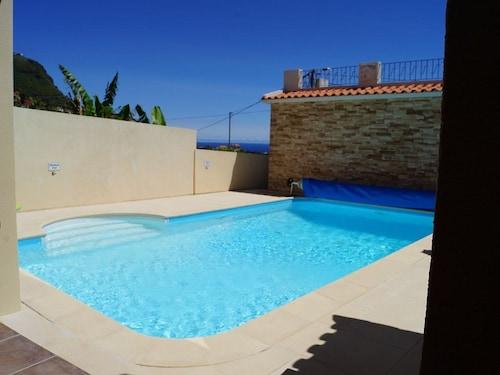 The Fantastic House - ETC Madeira, Calheta