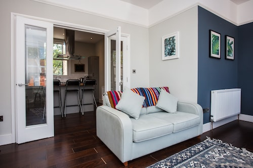 Townhouse Close To Olympic Park, London