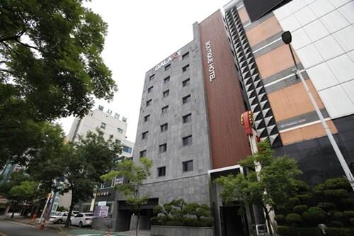 Galaxy Hotel, Gyeyang