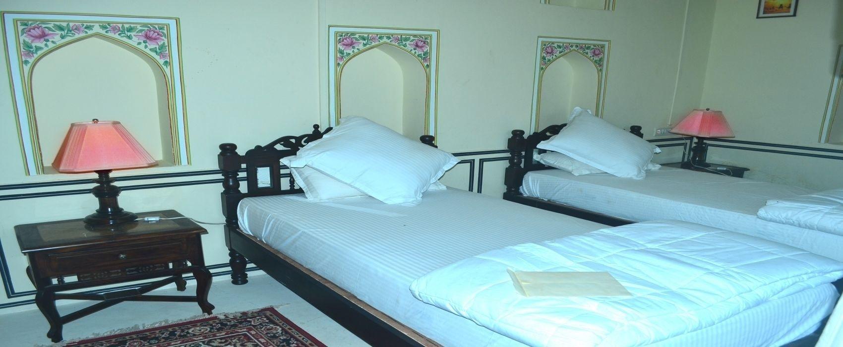 Hotel Royal Rest, Jhunjhunun