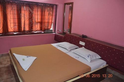 Hotel Rv Tower, Thrissur