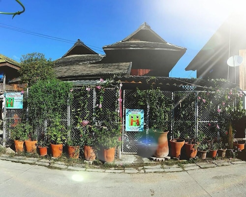 Inthanon Hostel - Adults Only, Chom Thong