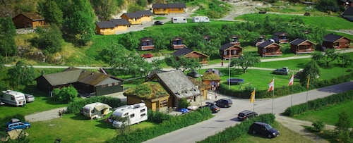 Pluscamp Sandvik, Luster