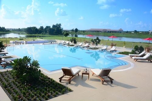 Horizon Lake View Resort Hotel, Naypyitaw