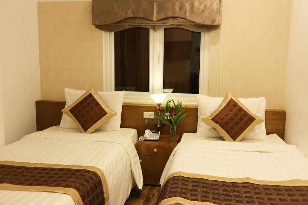 https://i.travelapi.com/hotels/25000000/24270000/24261200/24261156/40f845c9_z.jpg