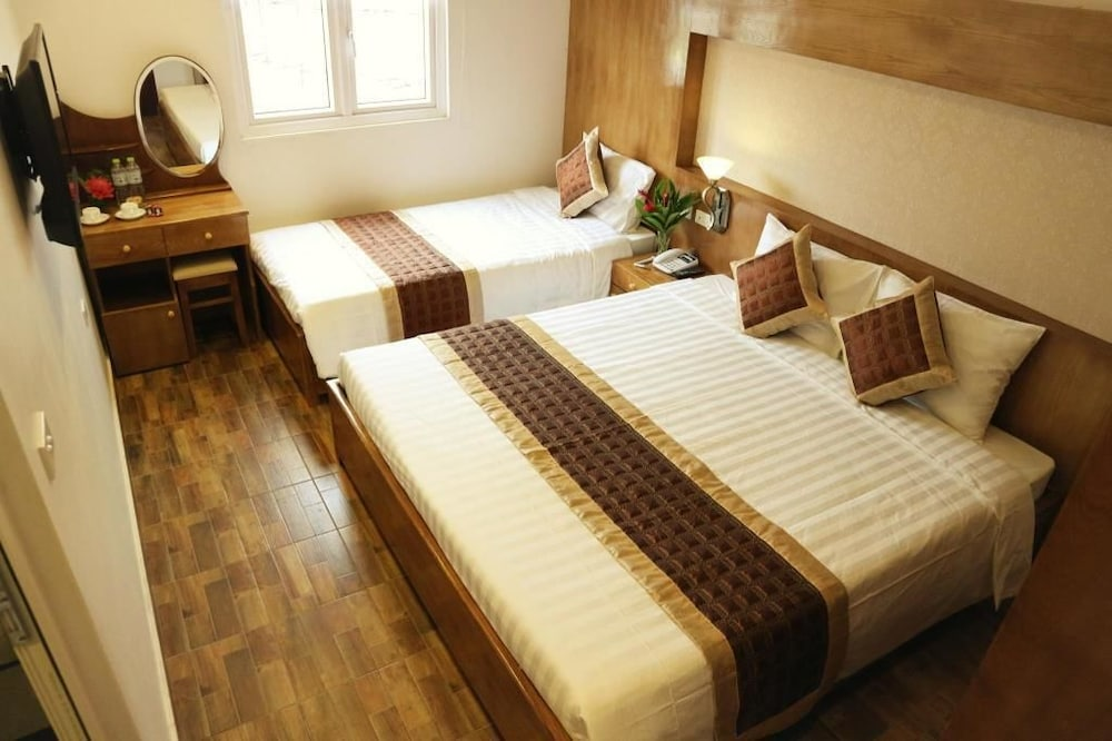 https://i.travelapi.com/hotels/25000000/24270000/24261200/24261156/5b4ac922_z.jpg
