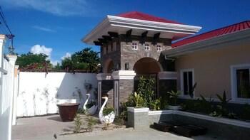 VENEZIA SUITES Exterior