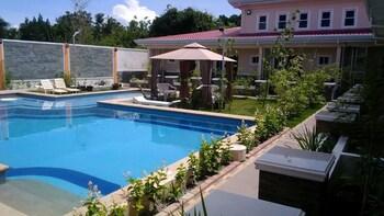 VENEZIA SUITES Outdoor Pool