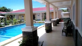VENEZIA SUITES Pool