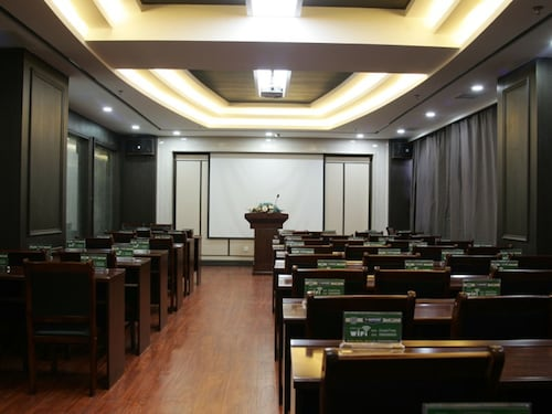 GreenTree Inn LiaoYuan Longshan District Train station Longjihuadian H, Liaoyuan