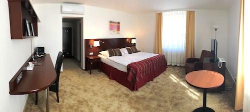 . Hotel Atrium