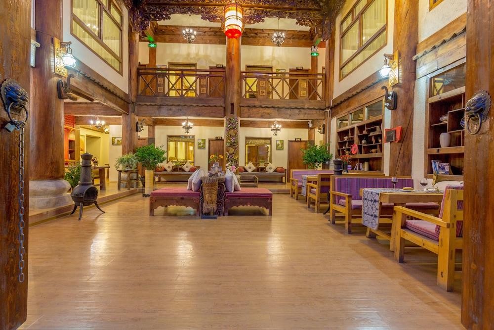 シャングリラ E- アウトフッティング ブティック ホテル (香格里拉香格里拉首驿精品酒店)