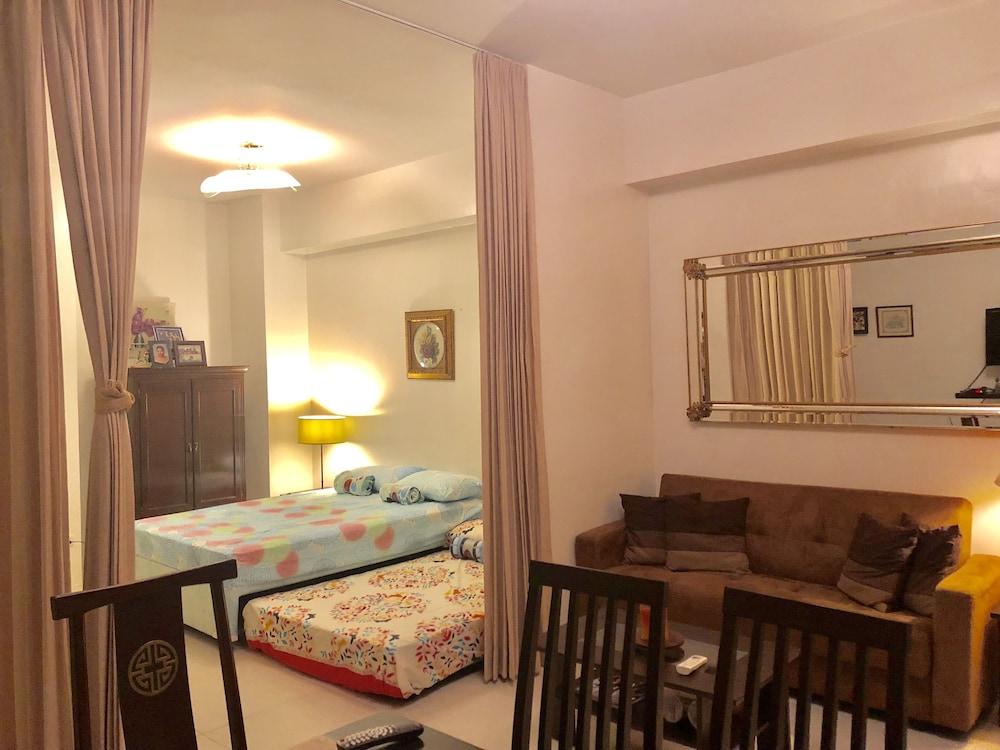 スペーシャス 2 ベッドルーム ハミロ コンド アット ピコ デ ローロ ナスグブ