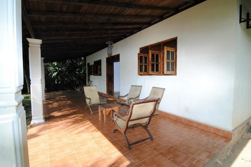 Mangrove Villa, Mathugama