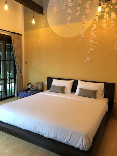 Aiims Tales Canal Boutique House, Phasi Charoen
