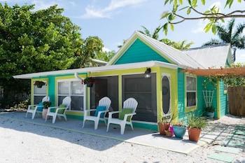 Corys Coastal Cottage