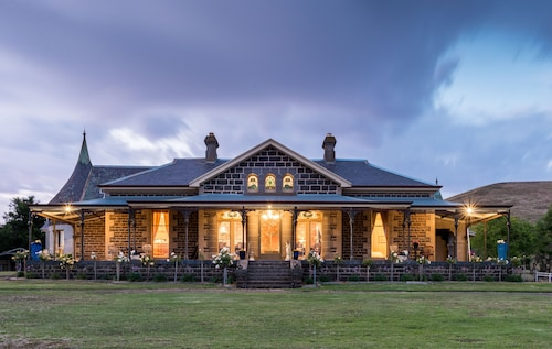 Coragulac House Cottages, Colac-Otway - North