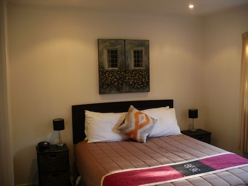 Christchurch City & Country Cottages - Nut Point Cottage, Selwyn