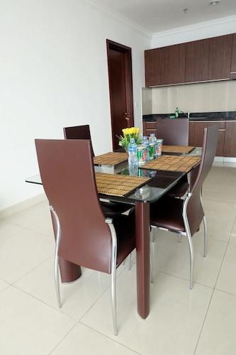2 Bedroom Denpasar Residence Apartment By Travelio, Jakarta Selatan