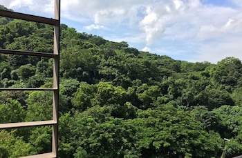 BEACH CONDOS PICO DE LORO HAMILO COAST Mountain View