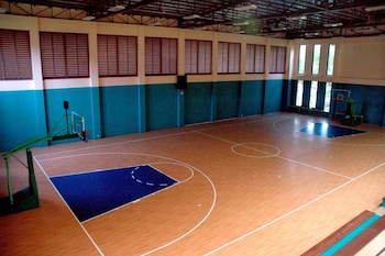 BEACH CONDOS PICO DE LORO HAMILO COAST Basketball Court