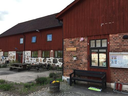 . Hässleholmsgårdens vandrarhem