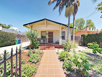 1318 Chino Street Home 2 Bedrooms 2 Bathrooms Home