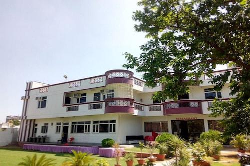 Exotika Express Resort, Kota