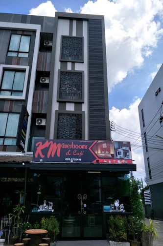 KM Guest Rooms, Kathu