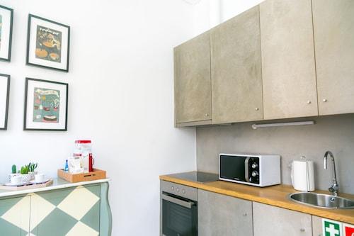 Liiiving Porto Ribeira Luxury Apartment, Porto