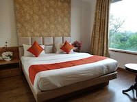 Superior Double Room, 1 King Bed, Accessible, Smoking