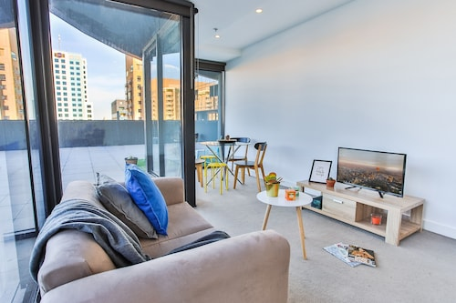 Urban Oasis - Designed Service Apartment, Stonnington - Prahran